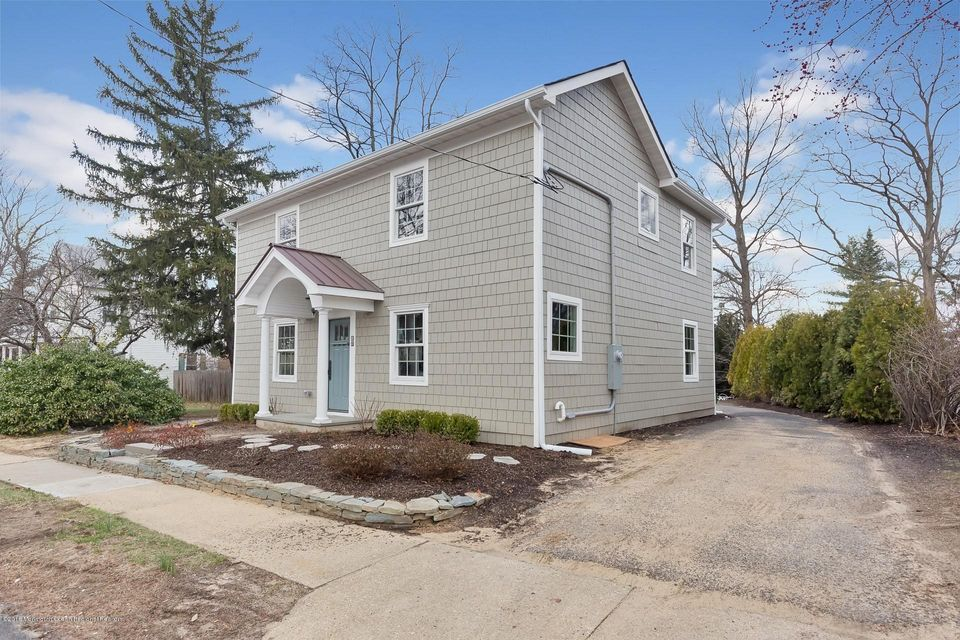Single Family Home for Sale at 15 Cherry Tree Farm Road 15 Cherry Tree Farm Road New Monmouth, New Jersey 07748 United States