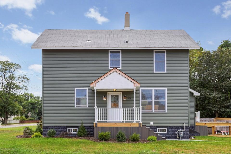 獨棟家庭住宅 為 出售 在 108 Morris Avenue 108 Morris Avenue Belford, 新澤西州 07718 美國