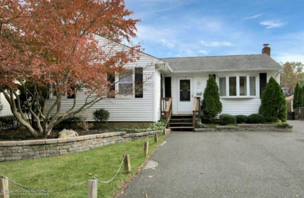 Maison unifamiliale pour l Vente à 846 Palmer Avenue 846 Palmer Avenue Middletown, New Jersey 07748 États-Unis