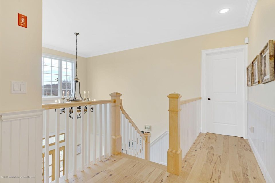 Additional photo for property listing at 22 Megill Road 22 Megill Road Farmingdale, Nova Jersey 07727 Estados Unidos