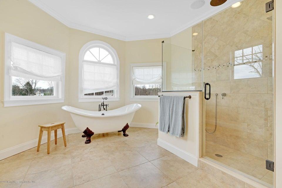 Additional photo for property listing at 22 Megill Road 22 Megill Road Farmingdale, New Jersey 07727 États-Unis