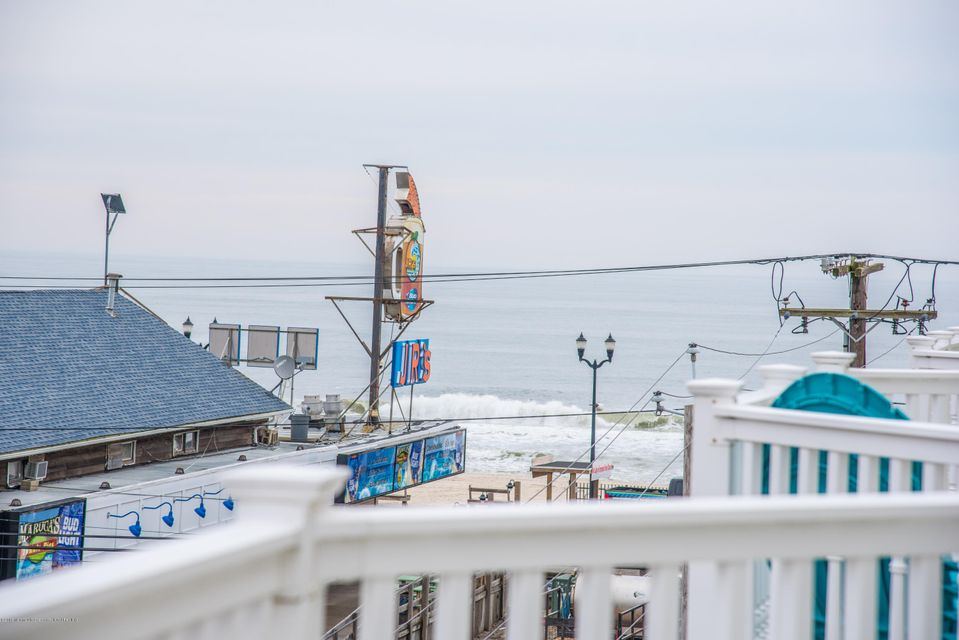 Additional photo for property listing at 15 Sumner Avenue 15 Sumner Avenue Seaside Heights, New Jersey 08751 Vereinigte Staaten