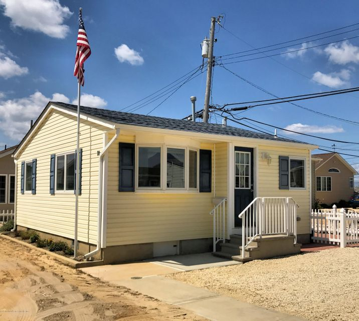 28 E Albacore Way - Lavallette