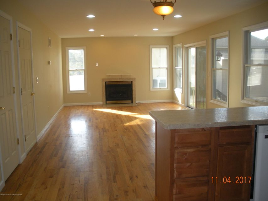 Additional photo for property listing at 430 Downing Avenue 430 Downing Avenue Bayville, New Jersey 08721 Stati Uniti
