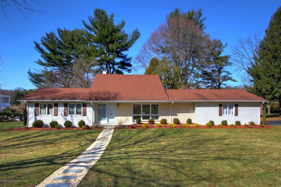 2  Country Lane, Holmdel, New Jersey