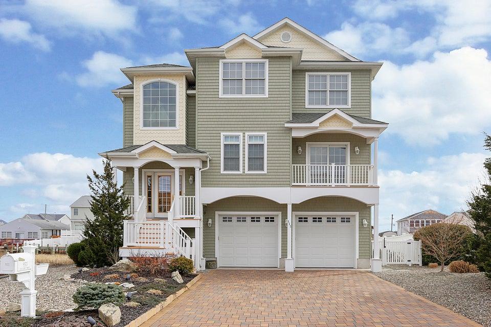 Single Family Home for Sale at 953 Mallard Drive 953 Mallard Drive Lanoka Harbor, New Jersey 08734 United States