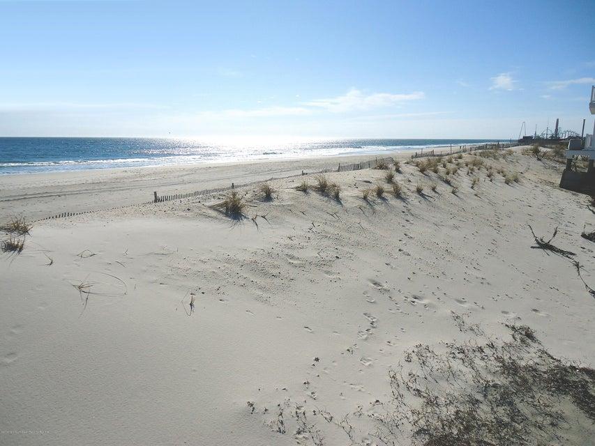Land für Verkauf beim 1728 Oceanfront 1728 Oceanfront Ortley Beach, New Jersey 08751 Vereinigte Staaten