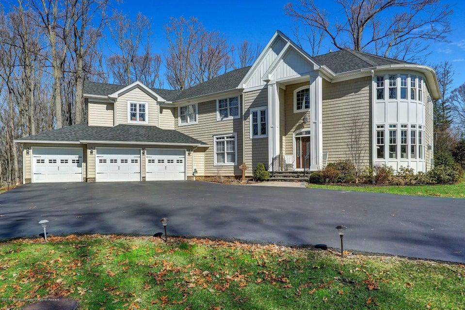 独户住宅 为 销售 在 160 Chapel Hill Road 160 Chapel Hill Road 雷德班克, 新泽西州 07701 美国