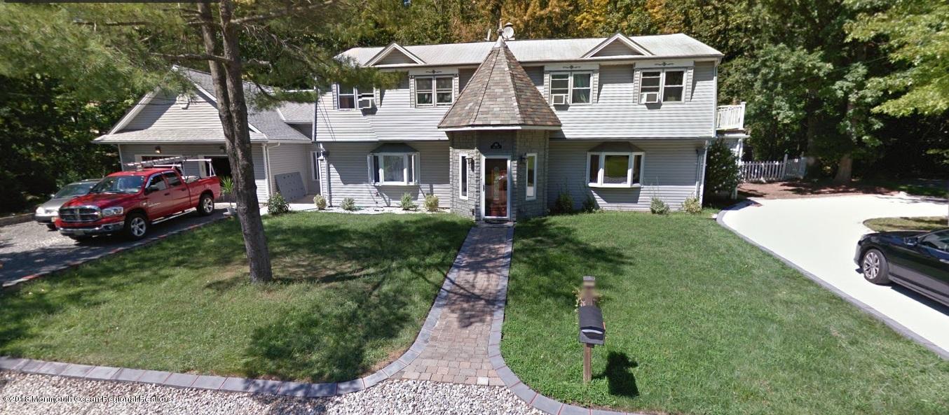 多户住宅 为 销售 在 691 Cook Avenue 691 Cook Avenue 劳伦斯港, 新泽西州 08879 美国