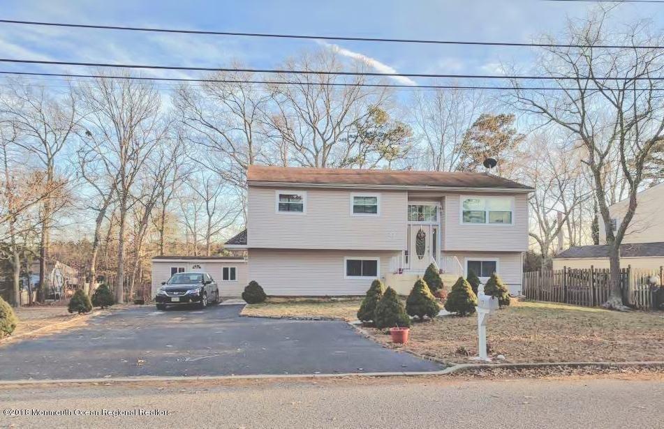 獨棟家庭住宅 為 出售 在 37 Brown Avenue 37 Brown Avenue Pine Beach, 新澤西州 08741 美國