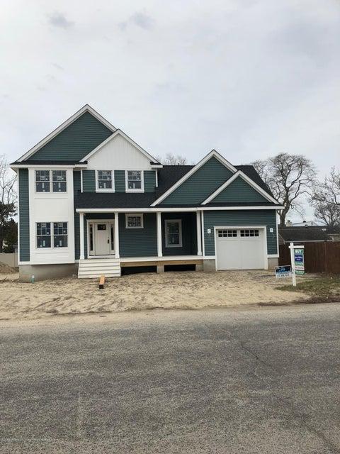 獨棟家庭住宅 為 出售 在 702 Hance Place 702 Hance Place Point Pleasant, 新澤西州 08742 美國