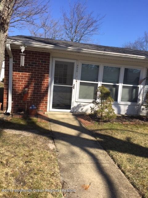 Tek Ailelik Ev için Satış at 883 A Balmoral Court 883 A Balmoral Court Lakewood, New Jersey 08701 Amerika Birleşik Devletleri