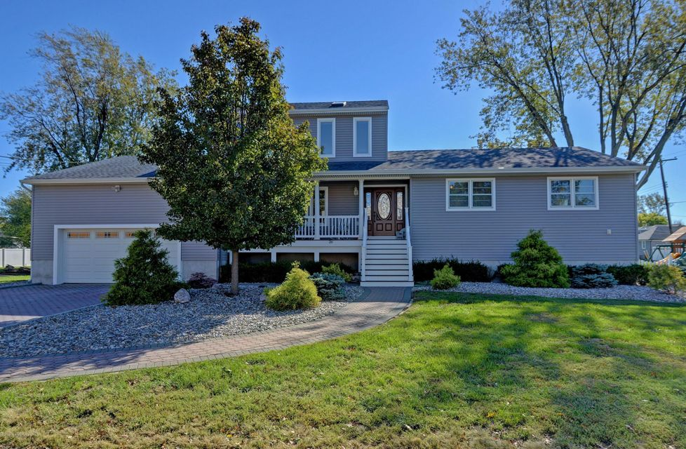 Single Family Home for Sale at 26 Oneida Avenue 26 Oneida Avenue Oceanport, New Jersey 07757 United States