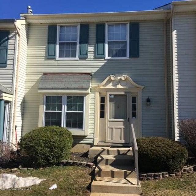 Condominio por un Alquiler en 50 Christopher Court 50 Christopher Court Freehold, Nueva Jersey 07728 Estados Unidos