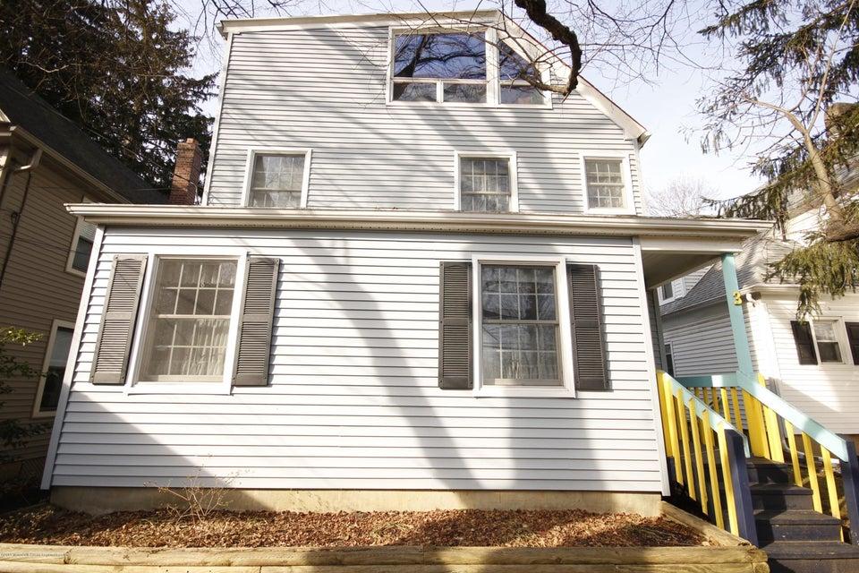 Maison unifamiliale pour l Vente à 3 Church Street 3 Church Street Middletown, New Jersey 07748 États-Unis