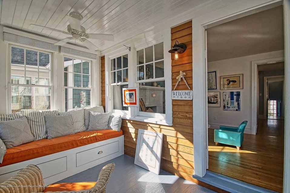 Custom built sunporch seating