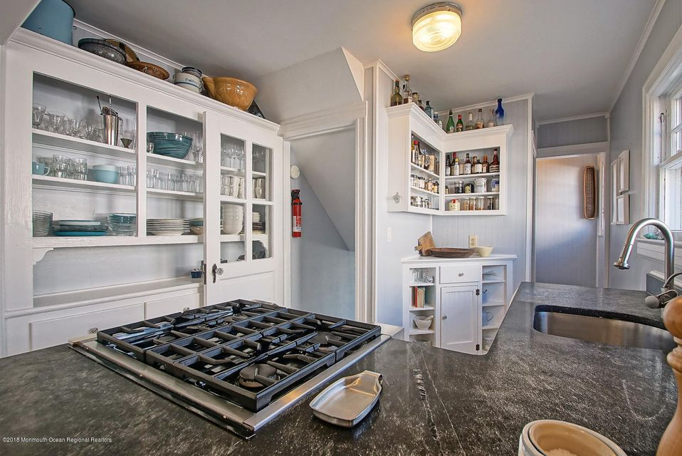 Gas cooktop on granite counters