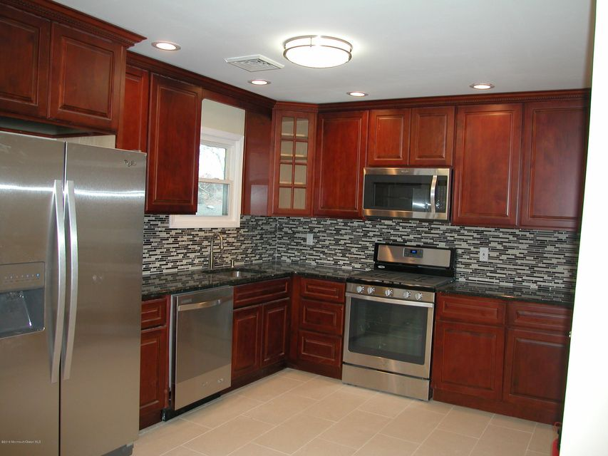 Casa para uma família para Locação às 118 Walnut Drive 118 Walnut Drive Lanoka Harbor, Nova Jersey 08734 Estados Unidos