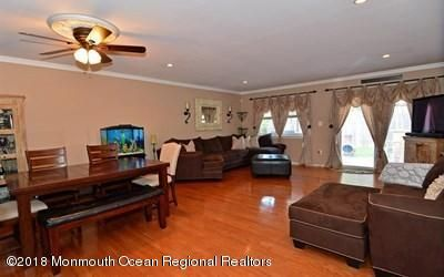 Additional photo for property listing at 45 Scenic Drive 45 Scenic Drive Freehold, New Jersey 07728 États-Unis