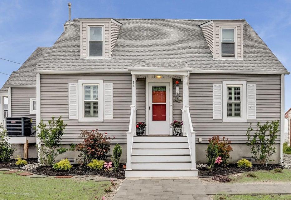 Casa Unifamiliar por un Venta en 14 Vessel Road 14 Vessel Road Waretown, Nueva Jersey 08758 Estados Unidos