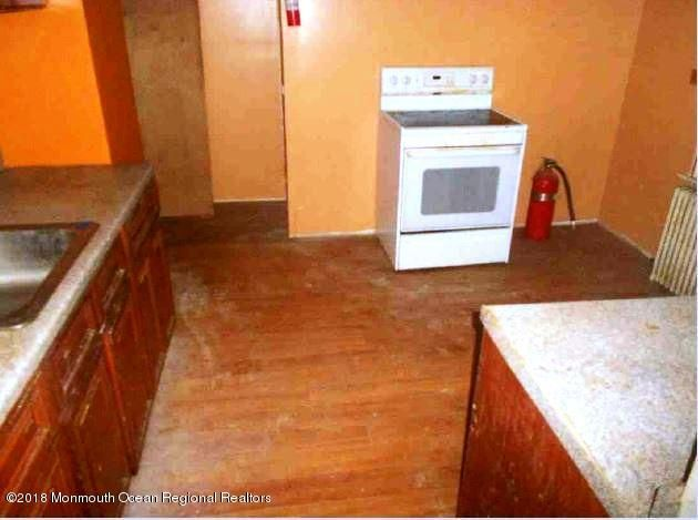 Additional photo for property listing at 24 Maple Avenue 24 Maple Avenue Keansburg, 뉴저지 07734 미국