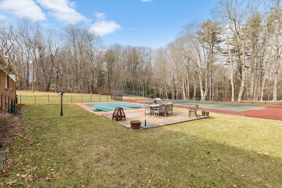 Additional photo for property listing at 32 Millville Road 32 Millville Road Montague, New Jersey 07827 États-Unis