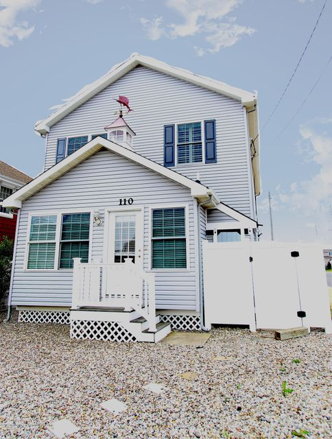 Single Family Home for Rent at 110 Trenton Avenue 110 Trenton Avenue Lavallette, New Jersey 08735 United States