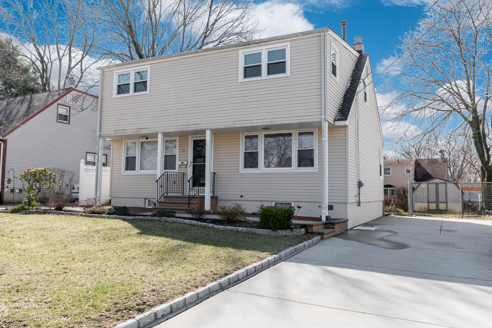 Single Family Home for Sale at 17 Vincent Street 17 Vincent Street Parlin, New Jersey 08859 United States