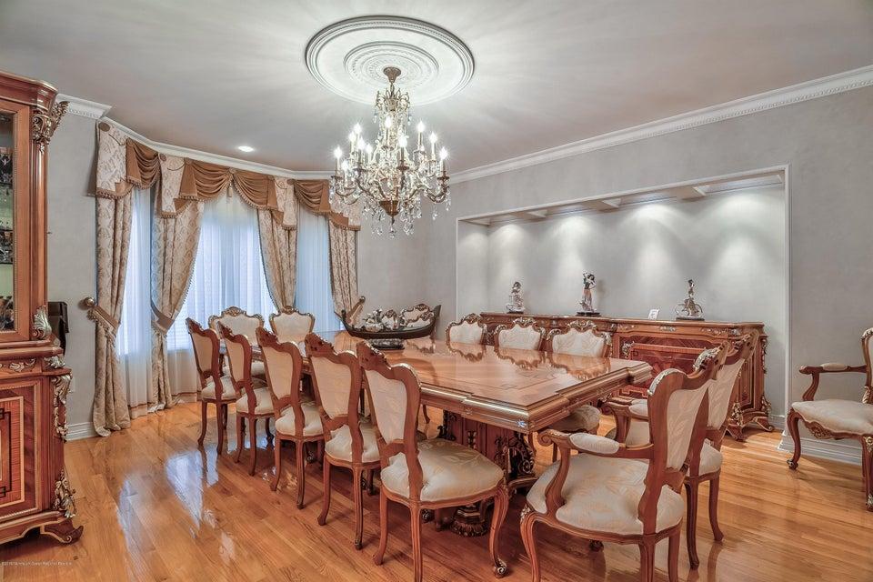 009_Dining Room