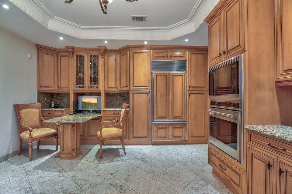 017_Kitchen