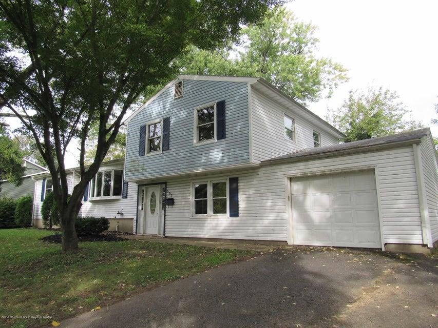 獨棟家庭住宅 為 出售 在 503 Roxbury Road 503 Roxbury Road Belford, 新澤西州 07718 美國