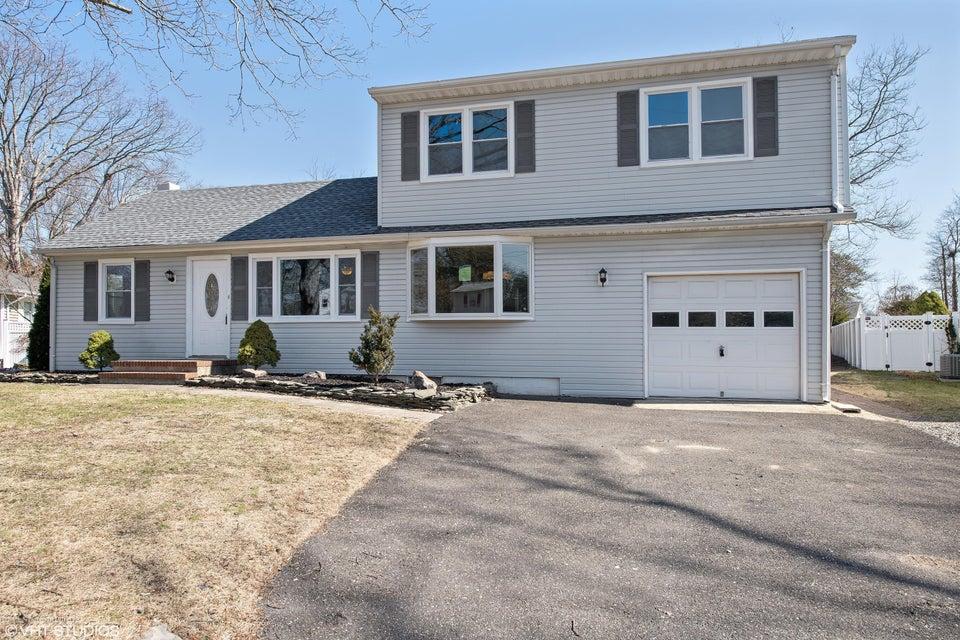独户住宅 为 销售 在 486 Driscol Drive 486 Driscol Drive 布里克, 新泽西州 08724 美国