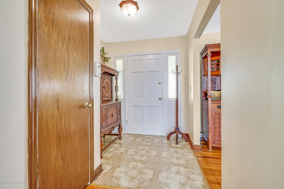 Home for Sale at 29 Woodridge Avenue in Toms River, NJ for $265,000 ...