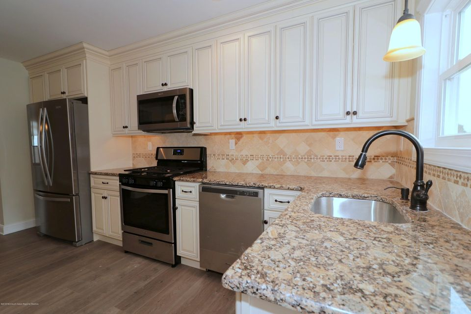 Additional photo for property listing at 31 Corinth Place 31 Corinth Place Toms River, 新澤西州 08757 美國