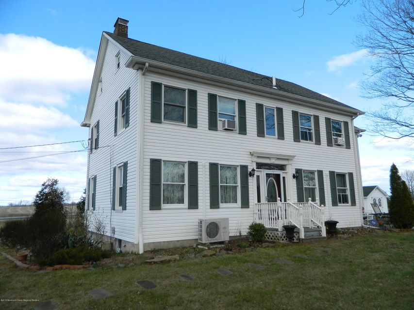 Casa Unifamiliar por un Venta en 238 County Route 539 238 County Route 539 Upper Freehold, Nueva Jersey 08501 Estados Unidos
