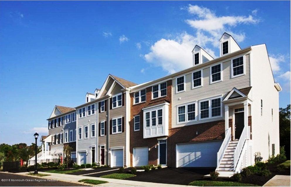 Condomínio para Arrendamento às 124 Beacon Lane 124 Beacon Lane Eatontown, Nova Jersey 07724 Estados Unidos