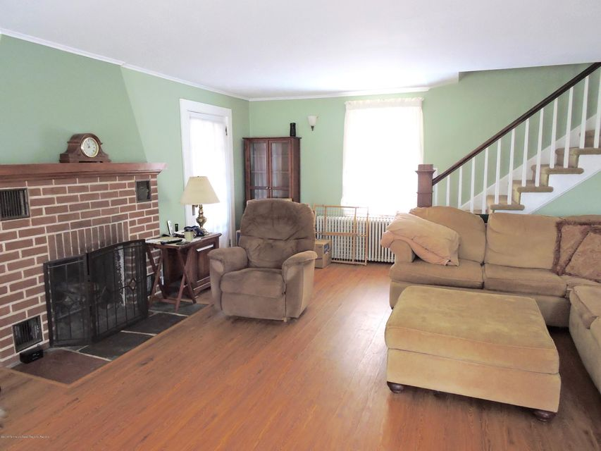 Additional photo for property listing at 415 Old Corlies Avenue 415 Old Corlies Avenue Neptune, New Jersey 07753 Vereinigte Staaten
