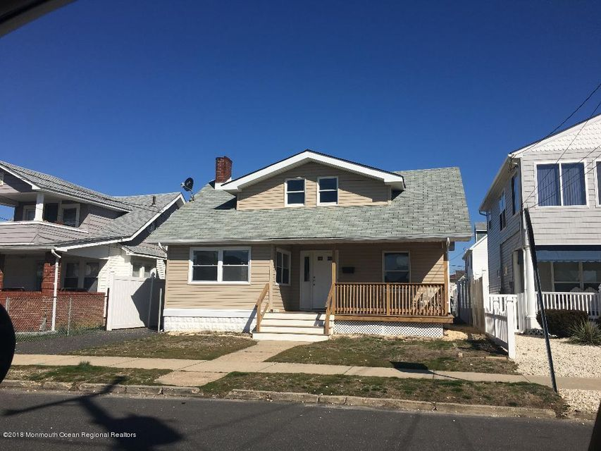 Single Family Home for Rent at 110 17th Avenue 110 17th Avenue Belmar, New Jersey 07719 United States