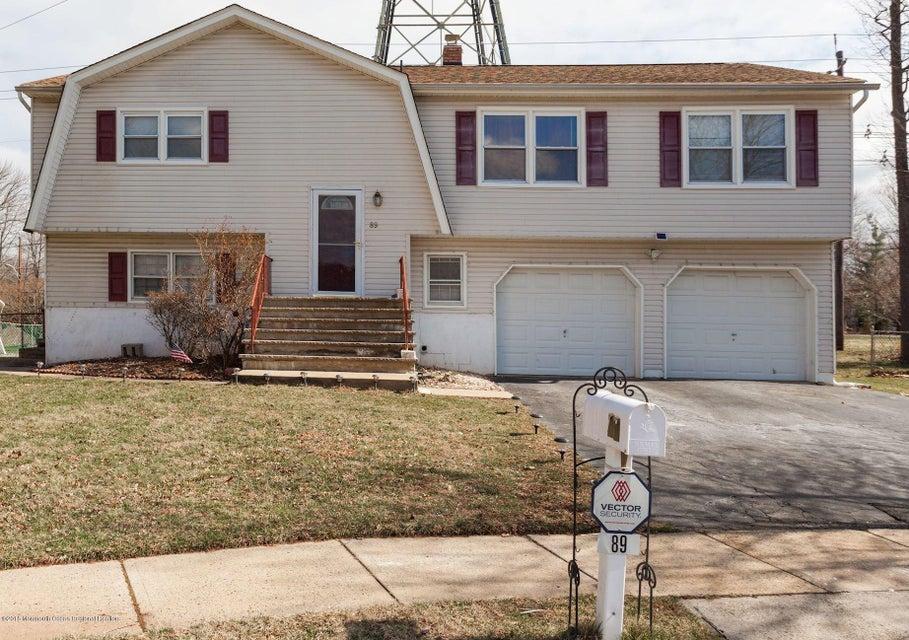 Casa para uma família para Venda às 89 Stratford Circle 89 Stratford Circle Edison, Nova Jersey 08820 Estados Unidos