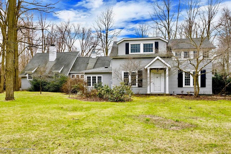 Nhà ở một gia đình vì Bán tại 542 Locust Point Road 542 Locust Point Road Locust, New Jersey 07760 Hoa Kỳ