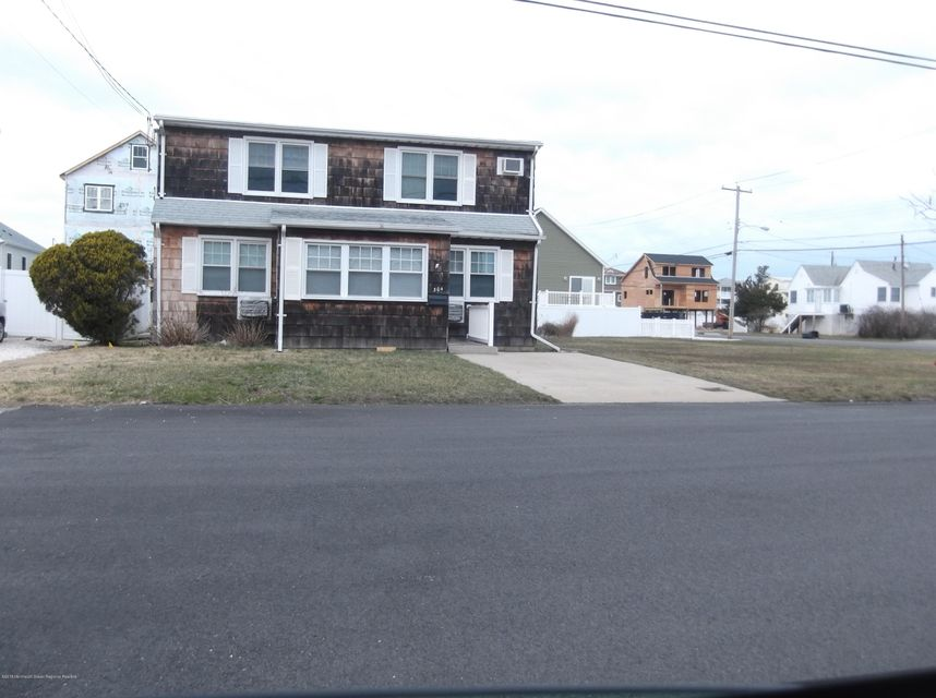 Single Family Home for Rent at 304 Eisenhower Avenue 304 Eisenhower Avenue Seaside Heights, New Jersey 08751 United States