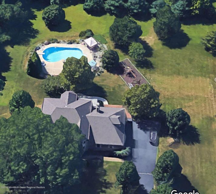 Moradia para Venda às 351 Sawmill Road 351 Sawmill Road Hamilton, Nova Jersey 08620 Estados Unidos