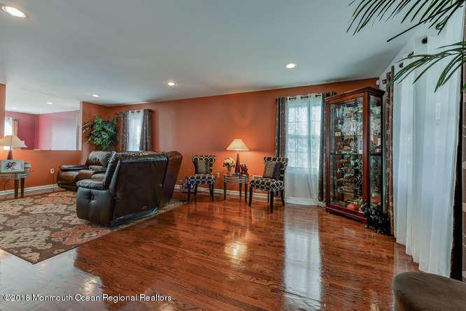 56 Richardson Ave Eatontown NJ-small-006