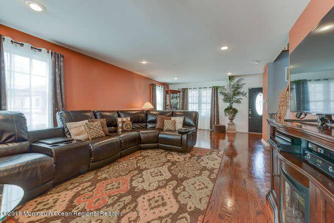 56 Richardson Ave Eatontown NJ-small-008