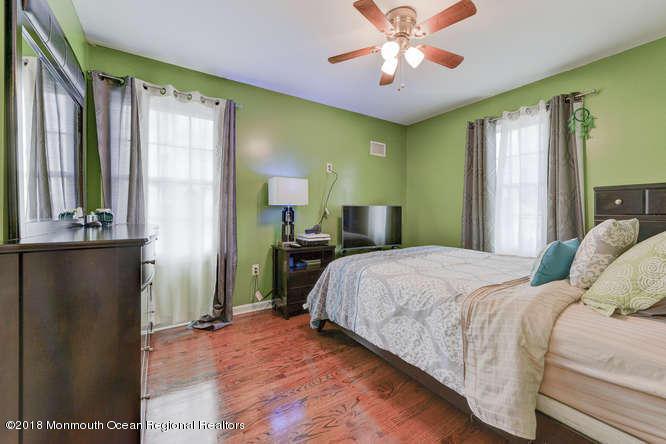 56 Richardson Ave Eatontown NJ-small-022