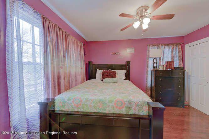 56 Richardson Ave Eatontown NJ-small-023