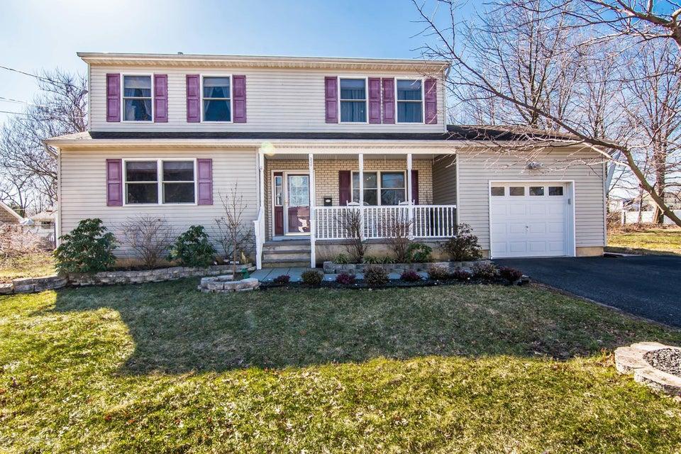 Single Family Home for Sale at 534 Aumack Avenue 534 Aumack Avenue Union Beach, New Jersey 07735 United States
