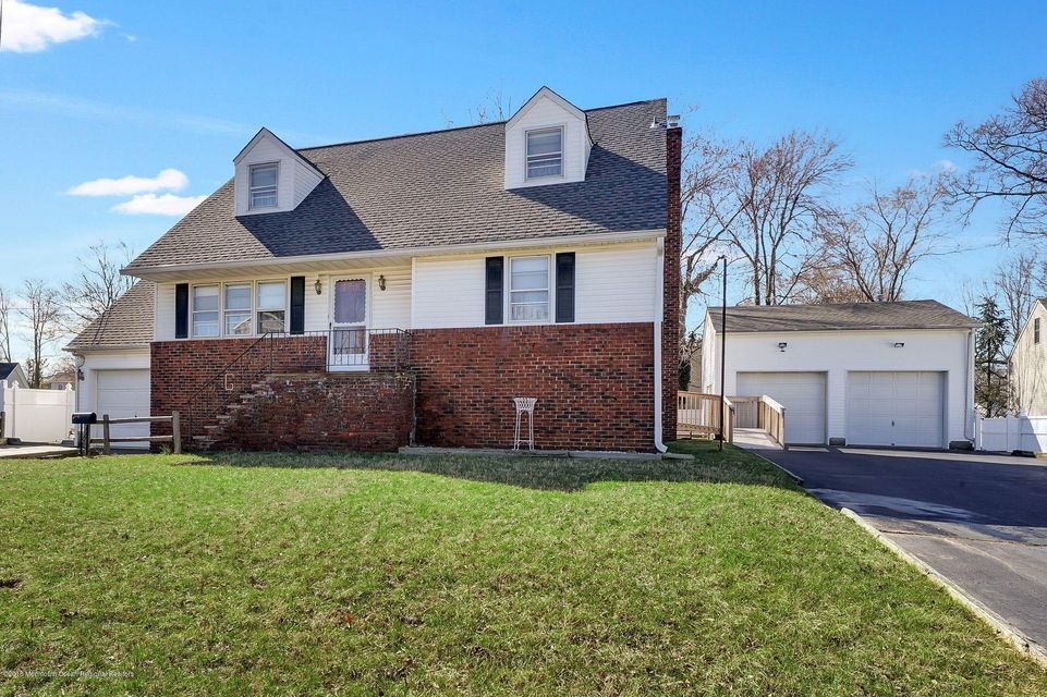 Single Family Home for Sale at 197 Hudson Avenue 197 Hudson Avenue North Middletown, New Jersey 07748 United States
