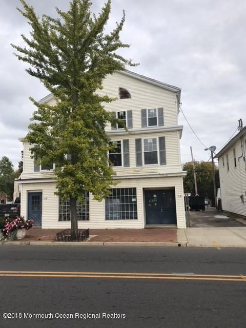 Apartamento por un Alquiler en 59 Throckmorton Street 59 Throckmorton Street Freehold, Nueva Jersey 07728 Estados Unidos