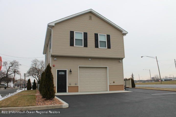 Apartment for Rent at 1 Monroe Street 1 Monroe Street Keyport, New Jersey 07735 United States